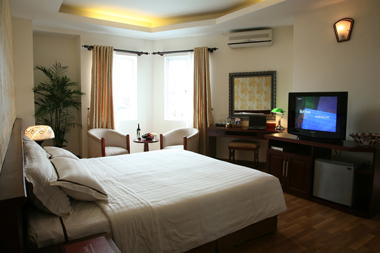 What can be more fun than living in the heart of Old Hanoi? The place is 1,000 years old and is teeming with historical monuments, temples, churches and market places. Hanoi Manor is a luxury apartmen