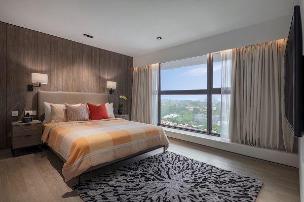 Every apartment in Le Grove has the unmistakable mark of refined taste and quality. Each appointed room has been meticulously space-planned and graced with specially selected furniture and furnishings