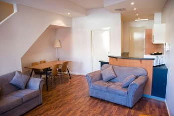 These Adelaide serviced apartments are the perfect base to explore South Australia best destinations. We can arrange a day trip to:  Kangaroo Island, the Barossa Valley, the Mclaren Vale, Glenelg, Vic